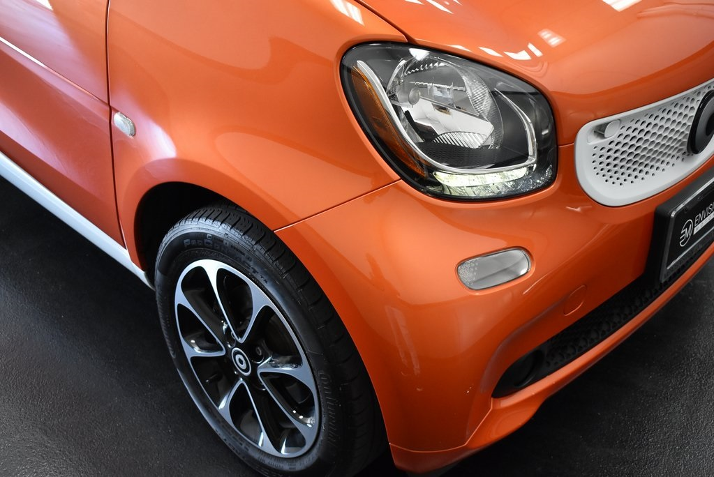 Pre-Owned 2016 smart Fortwo